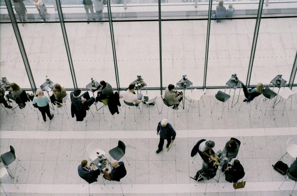 Uusi konsepti työnhakijoiden ja yritysten kohtaamiseen – Slack virtuaalisena verkostoitumisalustana